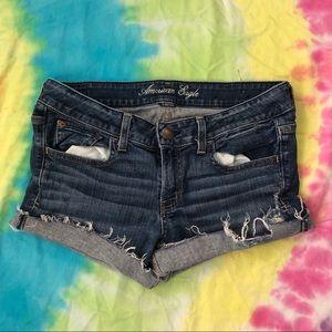 American Eagle • 🦅 Cut-Off Shorts